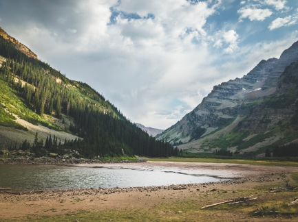 Quick hike to Crater Lake at Maroon Bells